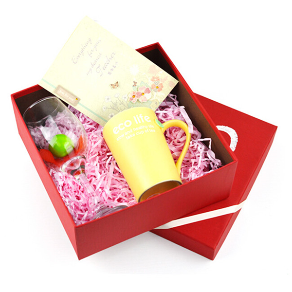 Red paper box with lid for mug or gift packaging