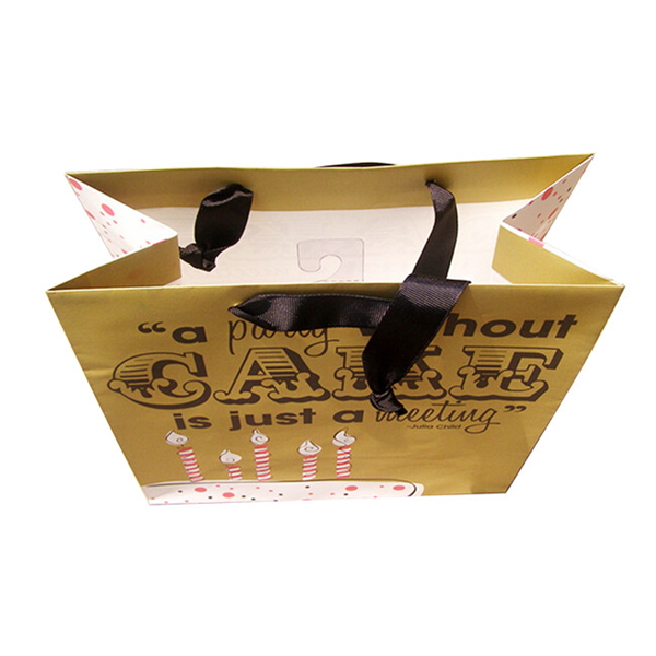 Bespoke paper gift bags for cake packaging with ribbon handle