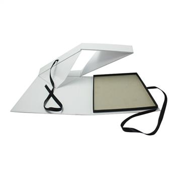 New creation white paper collapsible gift box with ribbon