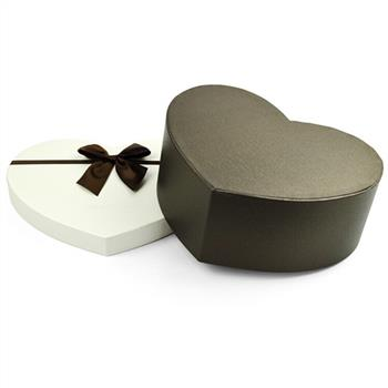 rigid heart shaped gift box for chocolate packaging