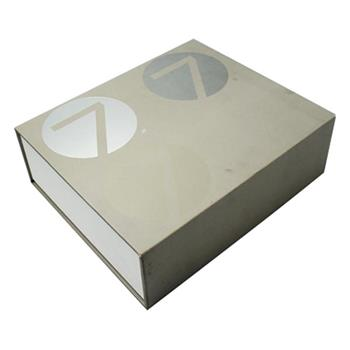 Magnetic Closure Cosmetic Gift Box With EVA Insert 02