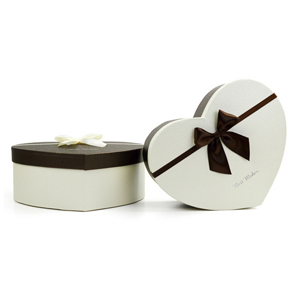 heart shaped paper box for gift packaging