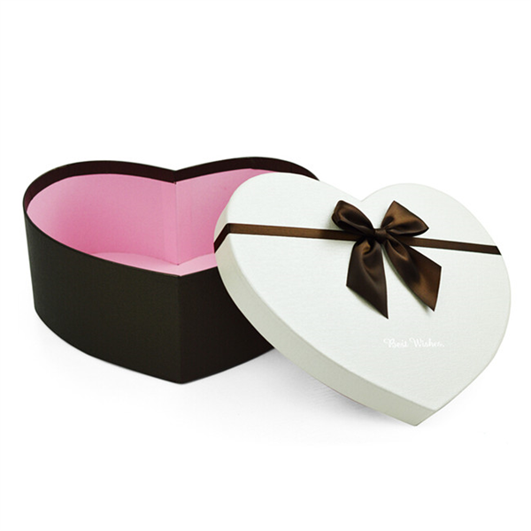 heart shaped rigid paper box for chocolate gift packaging