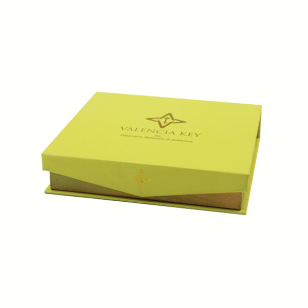 High-end paper jewelry gift box with magnetic closure