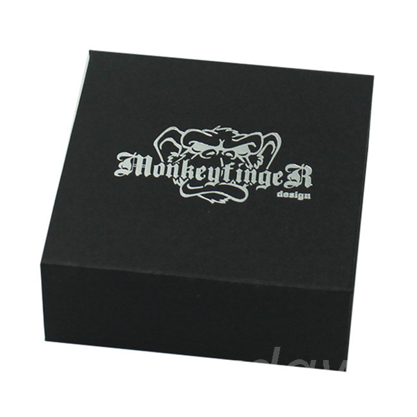 custom paper box with magnetic closure