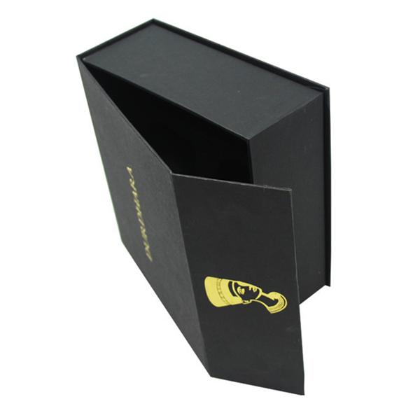 Luxury magnet packaging box with gold stamping